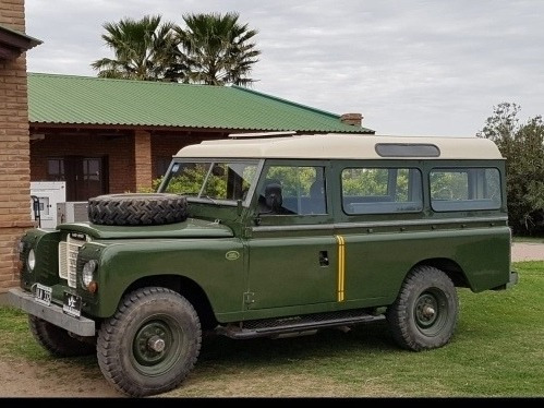 Land Rover Defender Santana 109 Largo
