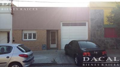 Oficina En Alquiler En Berisso Calle 9 E/ 164 Y 165 Dacal Bienes Raices