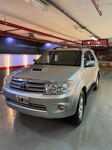 Toyota Sw4 3.0 Srv Cuero I 171cv 4x4 5at 2011
