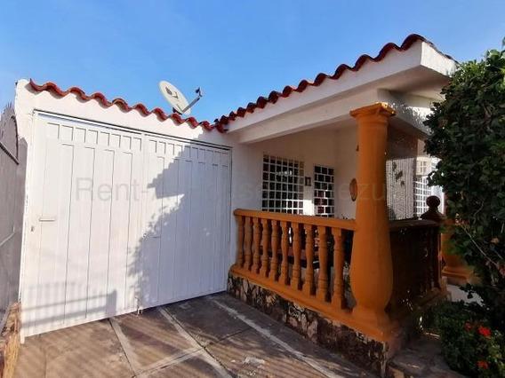 Casa En Venta Chucho Briceño Cabudare 20-8553 Zegm