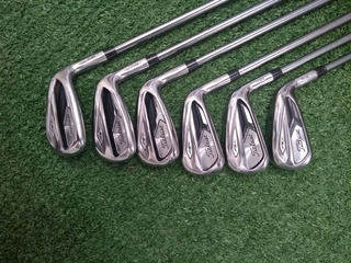 Set Titleist Ap1 718