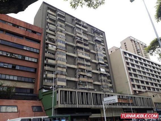 Apartamento En Venta Parroquia La Candelaria 19-13470