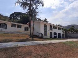 Casa En Guaparo. Wc