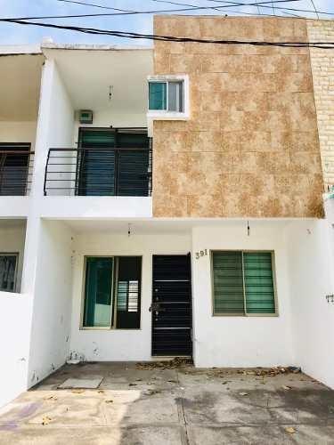 Casa De 3 Recamaras Con Closet Cerca De Av. Miguel Alemán