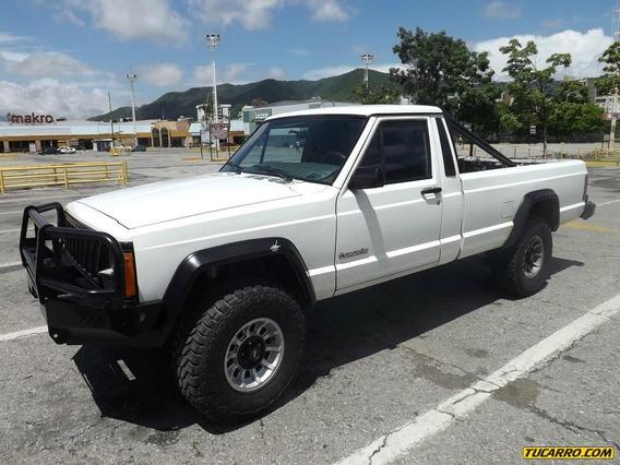 Jeep Comanche .