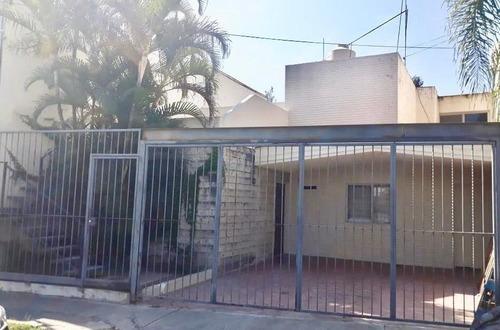 Excelente Casa En Venta, Jardines De Guadalupe, Zapopan