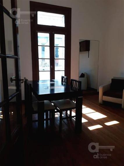 San Telmo. Ph 4 Ambientes Con Terraza. Alquiler Temporario Sin Garantías.