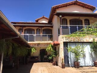 A Casa Mais Bonita Do Bairro. - Rw3482