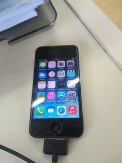 iPhone 4 -16 Gb