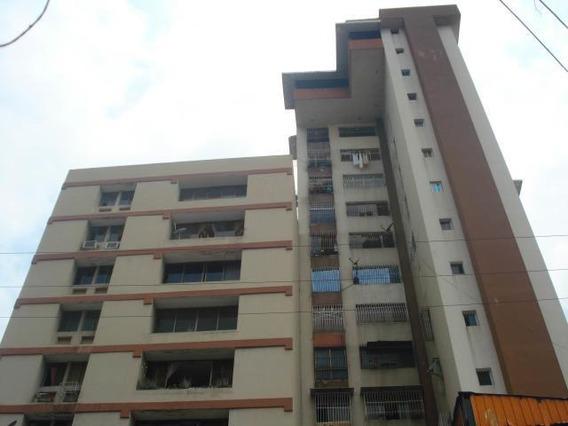 Apartamento En Venta Zona Centro. Mls 19-8854 Cc