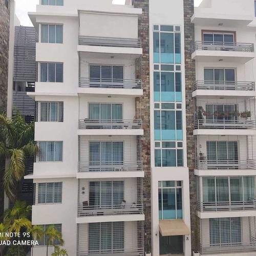 Se Renta Un Hermoso Apartamento Tipo Torre Con Ascensor