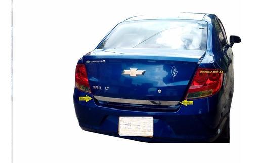 Platina Cromada De Baul Chevrolet Sail