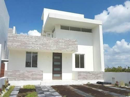 Preciosa Casa En Zibata, Roof Garden, 3 Habitaciones, Jardín, Premium !!