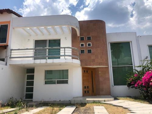 Casa En Renta En Cumbres Del Lago, Queretaro, Rah-mx-20-2467