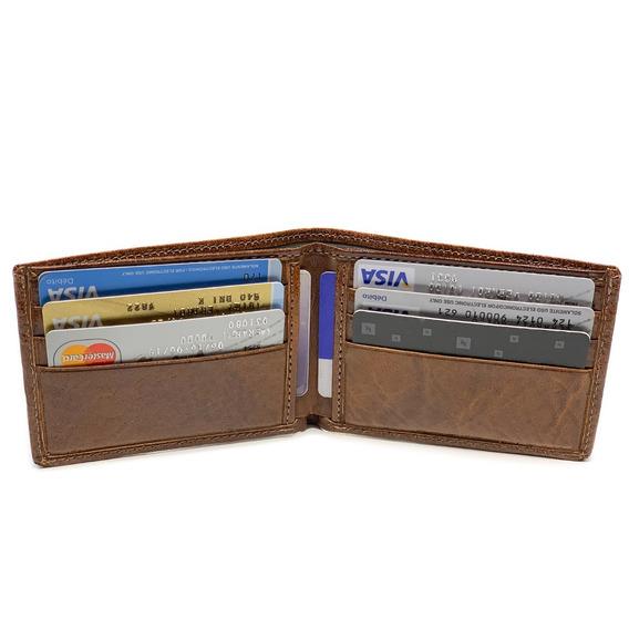 Billetera De Hombre Cuero Capacidad Para 8 Tarjetas Dos Divisiones P/pesos Modelo 0050