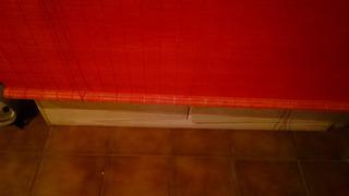 Cortinas Enroll De Madera Rustica, Pintadas De Rojo Cero Luz