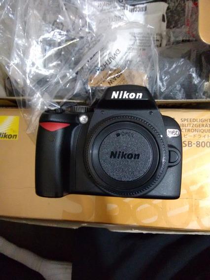 Câmera Nikon + Flash Sb800 + Tripé Velbon + Lanterna