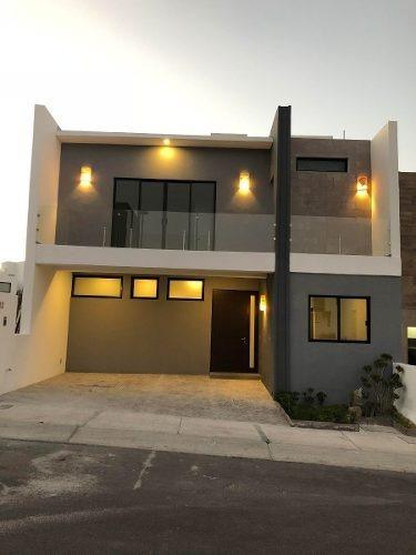 Casa En Venta En Querétaro, Zibatá, Campo De Golf, Desarrollo Premium