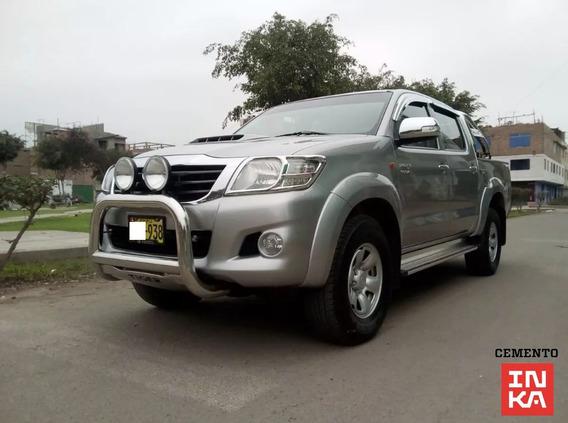 Toyota Hilux Srv 4×4 Año 2015 $ Precio 14,500.00