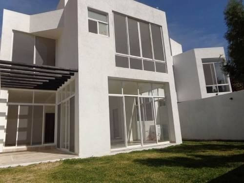 Estrene, Casa Minimalista Al Norte De Cuernavaca.