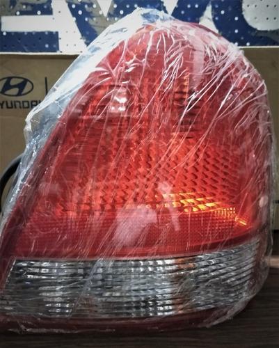 Stop Hyundai Elantra Izquierdo Derecho