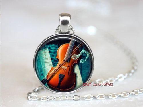 Colar Cabochão Violinista