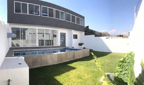 Casa Funcional Y Moderna, En Fraccionamiento Seguro