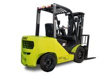Autoelevador Darc 3000kg, Motor Diesel, Torre Triple 4500mm