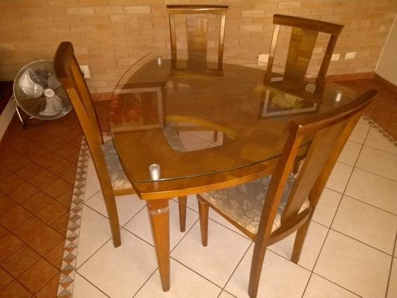 Mesa Triangular De Jantar Com 4 Cadeiras Madeira E Vidro