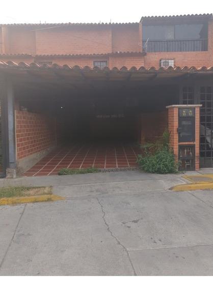 Town House El Encantado 1 Guatire