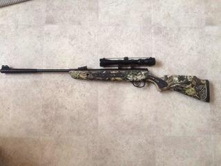 Rifle De Diábolos Hatsan Striker , Con Mira. Cal 6.35 (25)