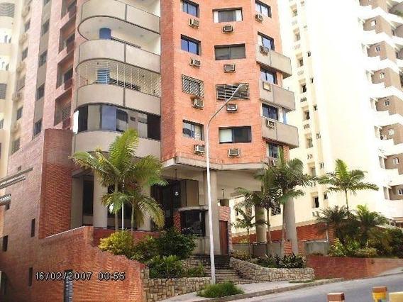 Venta De Amplio Apartamento En El Bosque Valencia.
