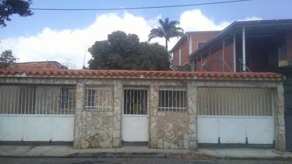 Casa En Venta En Naguanagua. Precio Negociable.