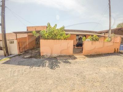 Casa De Alvenaria No Bairro Fortaleza, Com 03 Dormitórios Sendo Uma Suite E Demais Dependências. Duas Vagas De Garagem. - 3578142