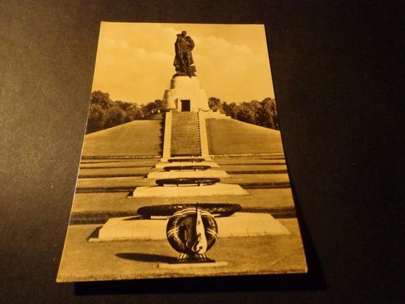 Alemania Berlin- D D R- Monumento Memoria Soviética-