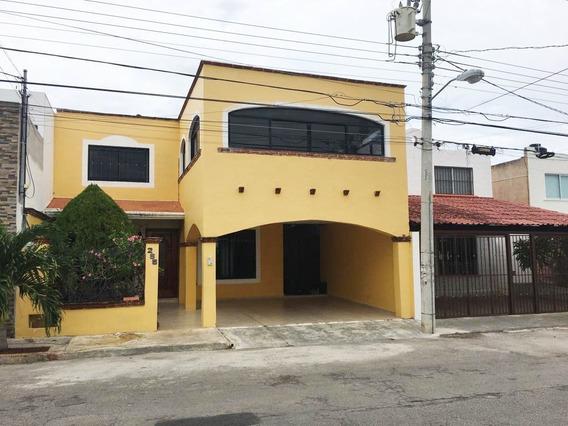 Casa Amueblada De 4 Habitaciones En Francisco De Montejo, Mérida