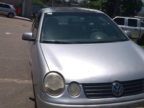 Volkswagen Polo 1.6 8v 4 Portas