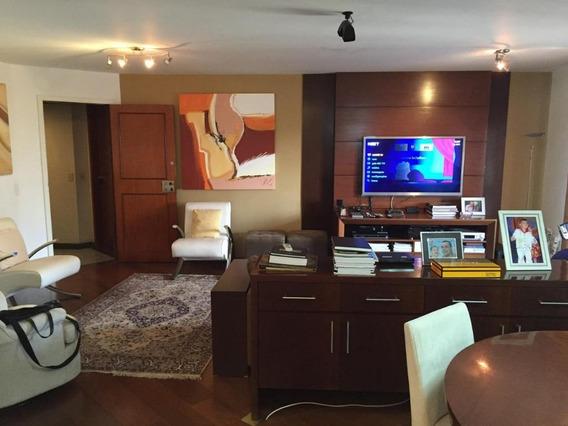 Flat Alto Padrão Para Locação Em Moema I 3 Dormitórios Sendo 1 Suíte I Sala 2 Ambientes I Varanda I 124m² I 2 Vagas - Fl0720