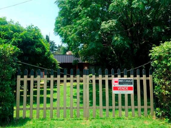 Casa En Venta, 2 Ambientes Con Jardín
