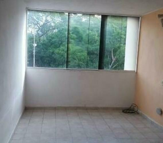 Apartamento De 2 Habitaciones, Un Convertible, Cocina...