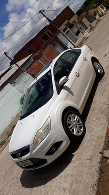 Ford Focus Sedan 2.0 Ghia Aut. 4p 2009