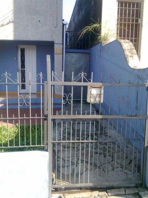 Casa Por Entrada Lateral Amoblada Para 3 O 4 Personas; Salto