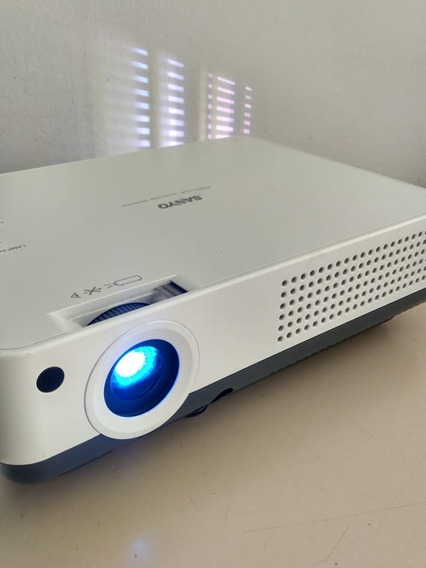 Projetor Sanyo Plc Xw55a - Com Controle E Conversor Hdmi