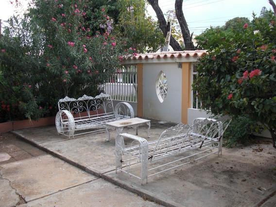 04126887776 # 20-6682 Casa En Venta Coro Los Orumos