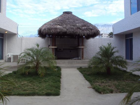 Casa 4 Dormitorios; 3 Baños; Sala; Comedor; Piscina; Parq