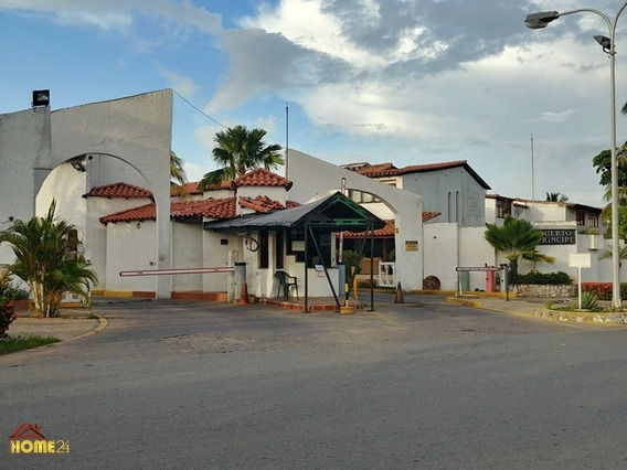 Town House De 3 Habitaciones , 2 Baños