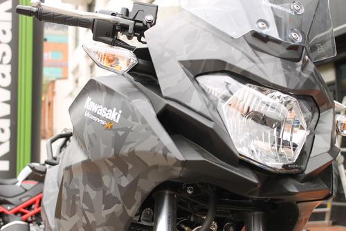 Kawasaki Versys 300 Camo - Negro 2020