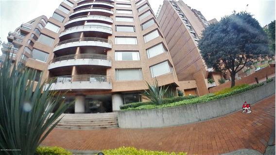 Arriendo Apartamento En Los Rosales Mls 20-23