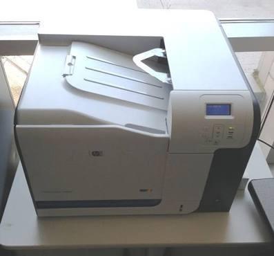 Hp Laserjet Cp3525n Com Defeito No Fusor. Para Tirar Peças