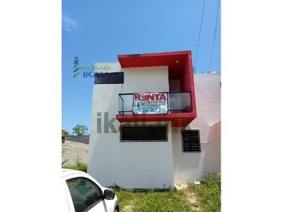 Casa En Renta Nueva En Tuxpan Veracruz, En Calle 6 De La Col. Loma Linda, Casa Recién Construida, Es De Dos Pisos Cuenta Con Sala, Comedor, Cocina, 2 Habitaciones, Closets, 1 1/2 Baño, Jardín, Balcón